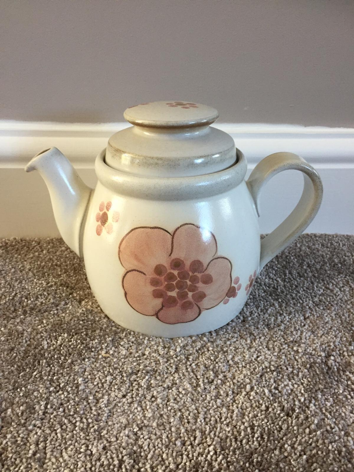 Denby teapot. Been used but in good condition. Ideal to complete a set or for collectors.