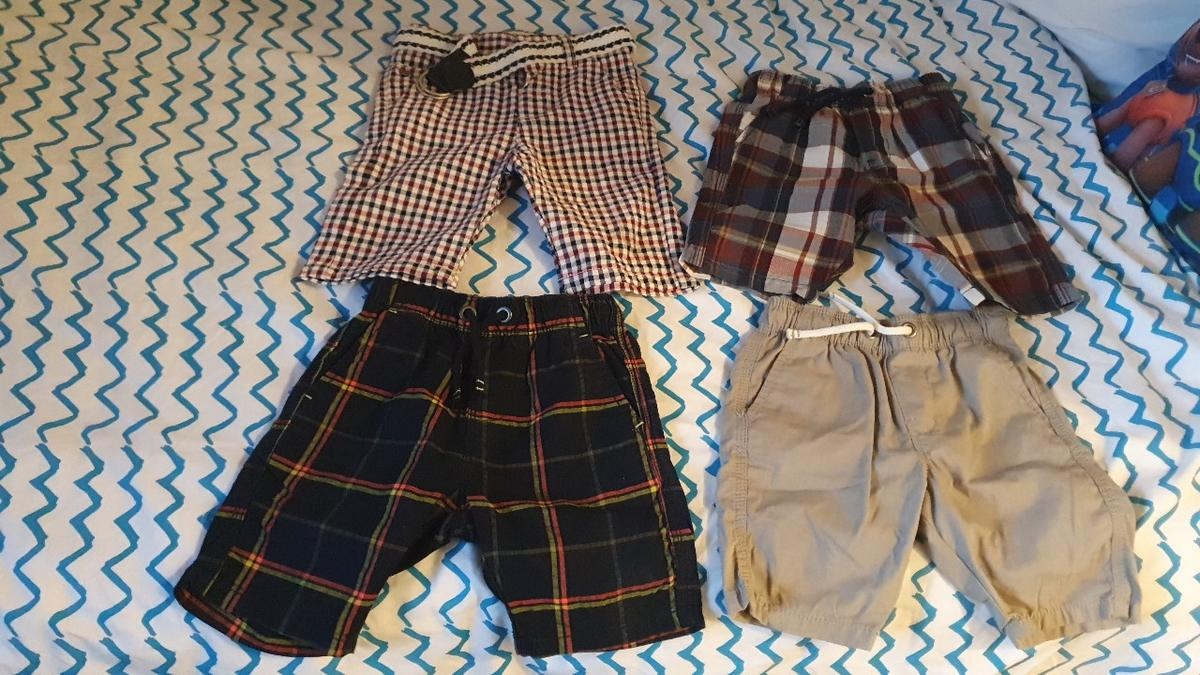 These 4 boy's shorts are age 3-4, they are all in very good condition. only worn 2 or so. 3 are from Next, one from Debenhams. These are perfect for the warm/ hot days.