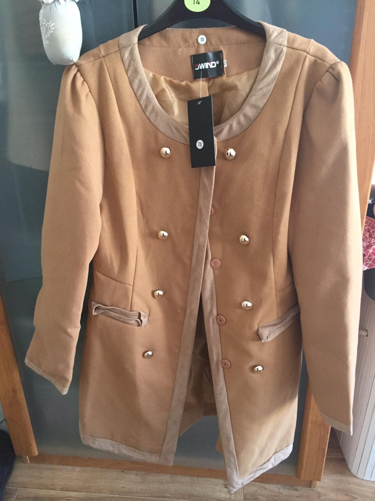 Women's Faux Fur Wool Blend Trench Coat Fashion Jackets, camel colour, New. Size XL on the label but I will say it's more L