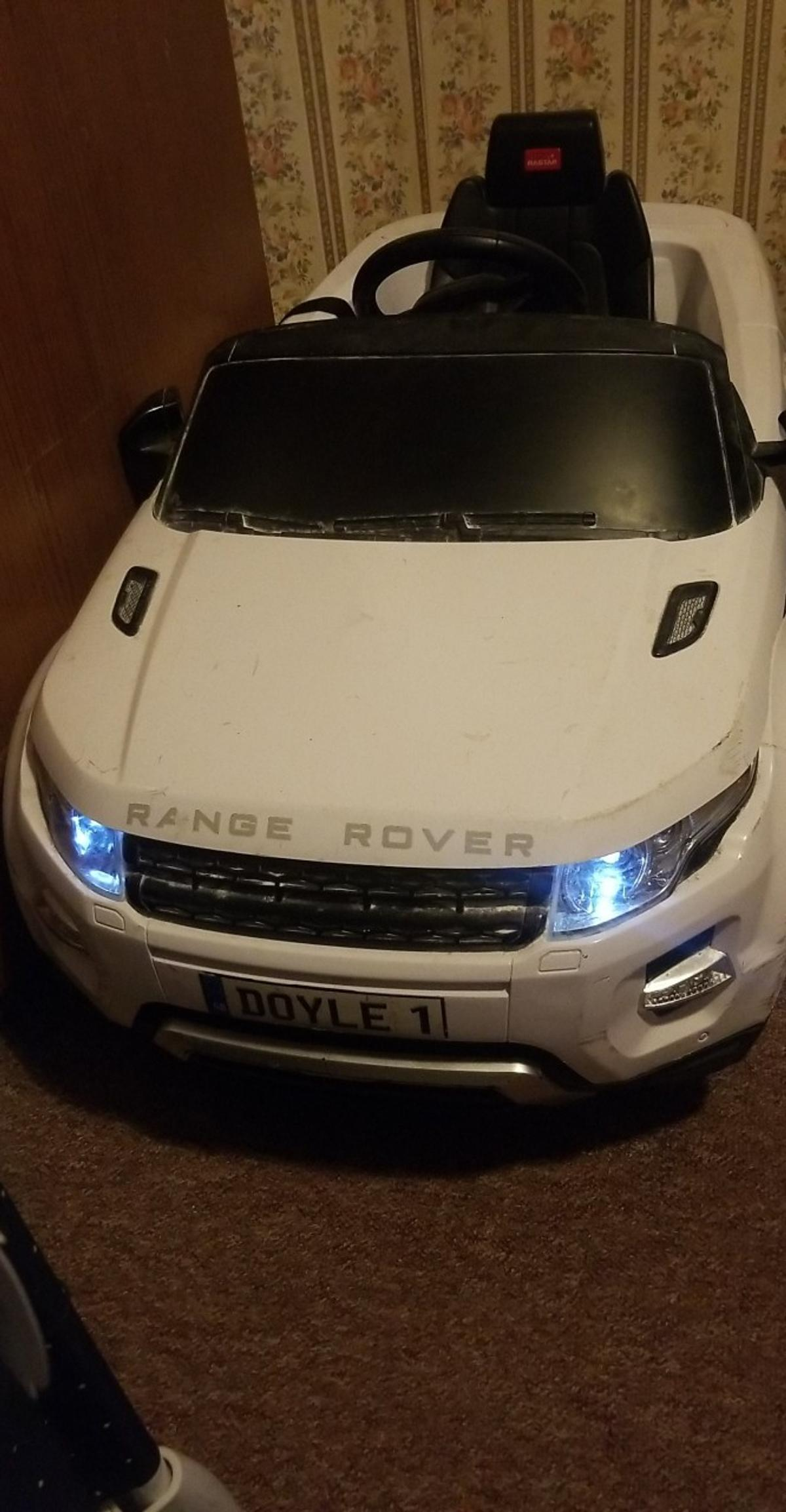 range rover evoque 12v ride on car for sale all in working condition lights and sound & can play music through an AUX cable..comes with remote control, charger and key pick up from fallowfield m14