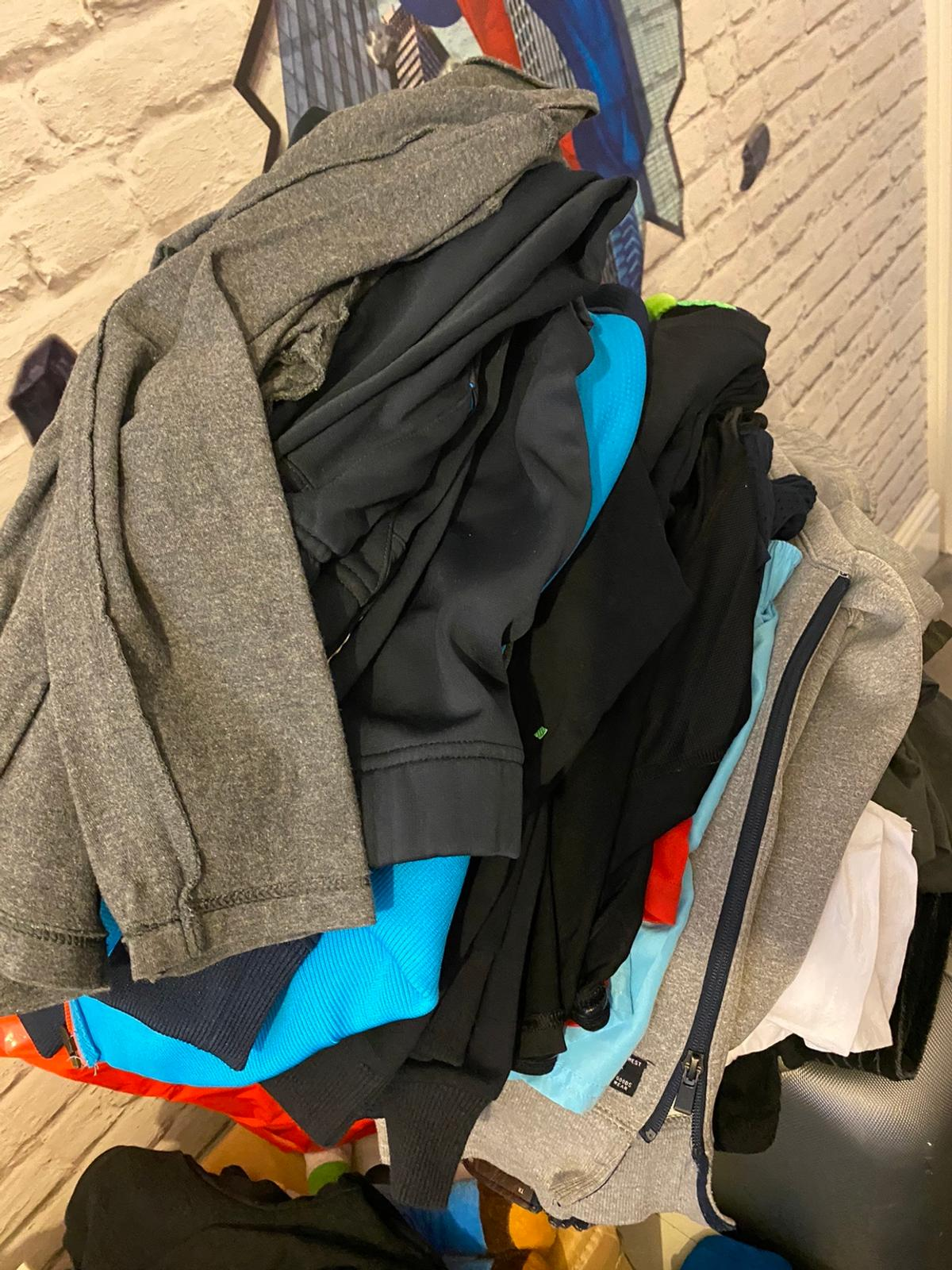 Mixed items tshirts sweaters Tracksuits Shorts Jeans Back pack x2 Regretta rain jacket an pants From Zara,Hugo boss,Nike,Adidas,under armour etc All for £25 bin bag full just need gone