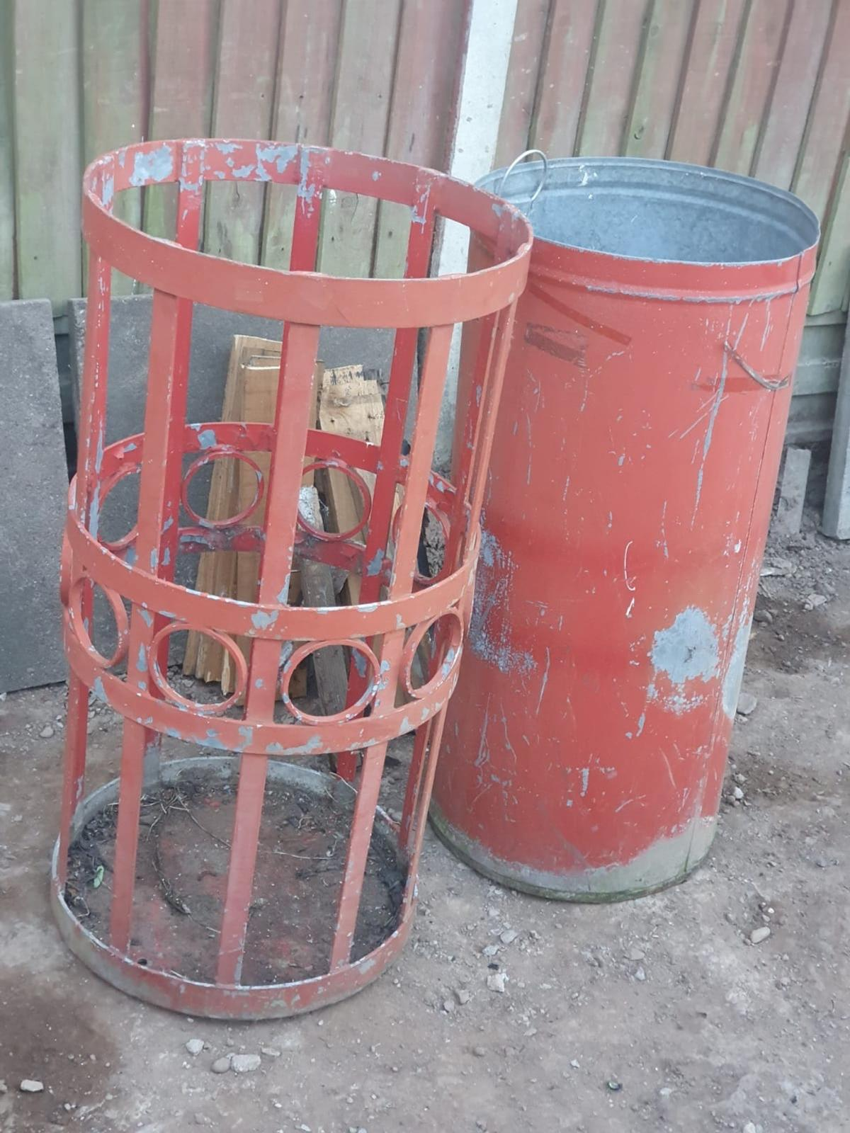 Hi there selling a old metal bin came from delolition job it's very old make a nice plant or a bin so grab yourself a bargain
