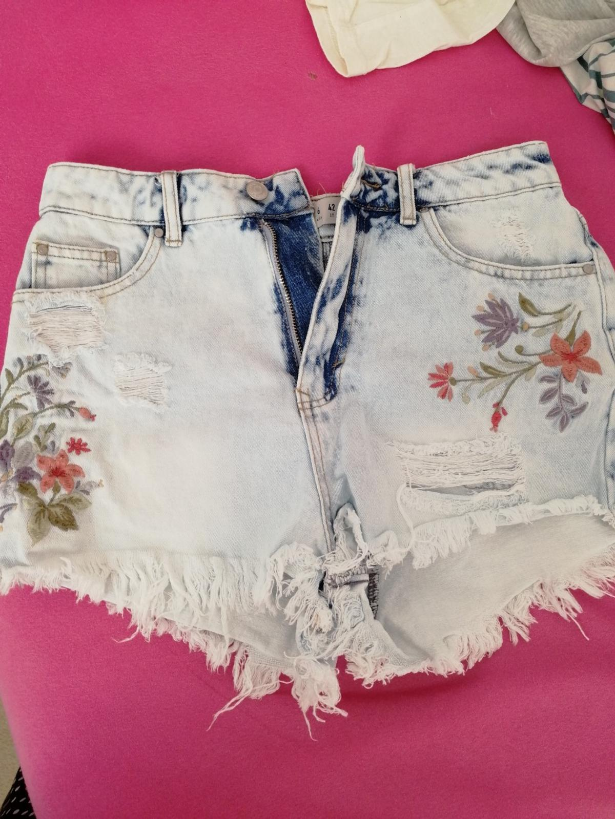 Lovely lady's shorts never been warn basically like new Size UK 8 from smoke free home no marks and no domages