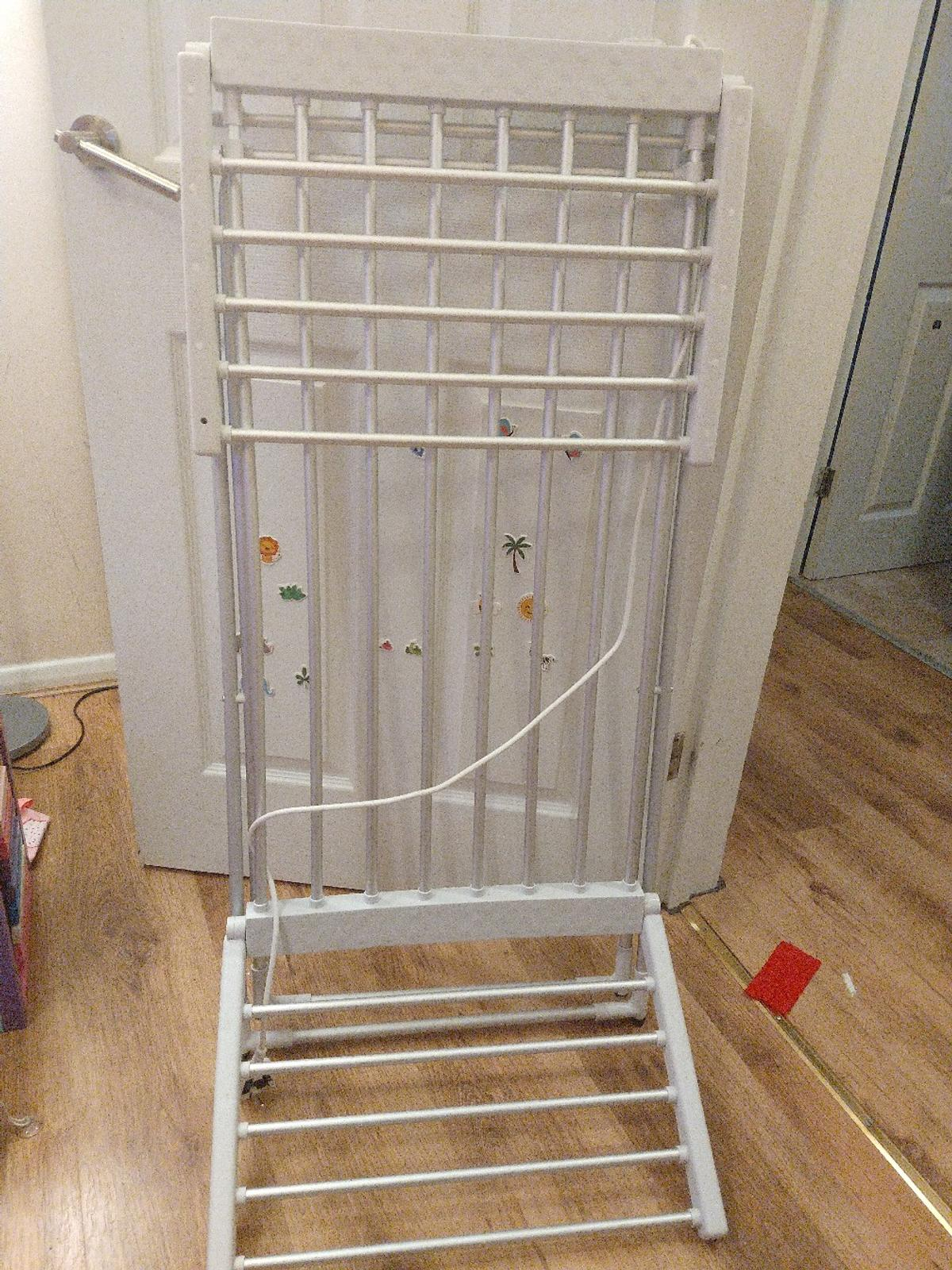 Electric indoor cloths airer (dryer) Bought 8 months ago but used very little because we didn't had enough room for all the cloths so we bought a tumble dryer. Perfect condition!