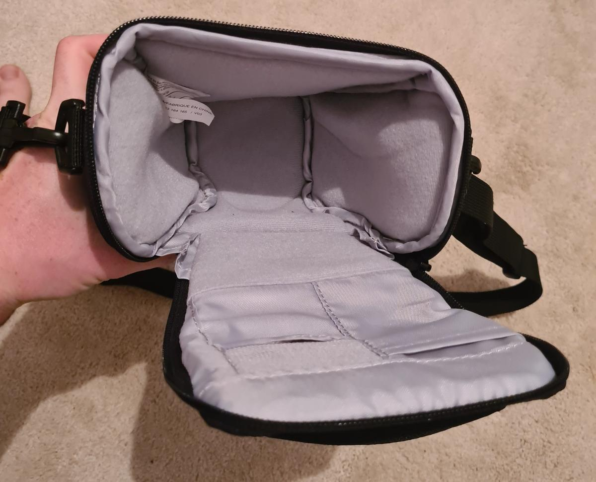 Lowepro small camera bag. Took tags off but never used so is immaculate condition with no marks or wear at all. Tlz 20 II model