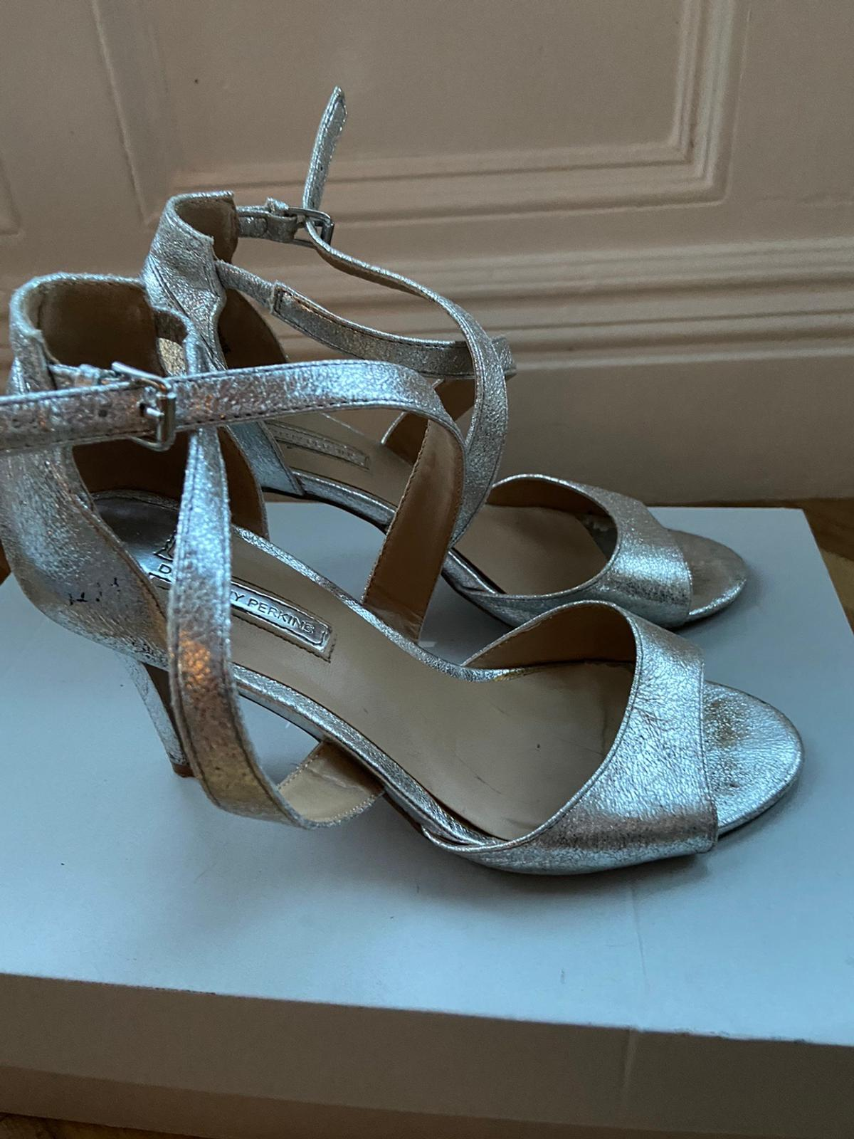 Silver high heels Size 5 Will post for £3.50