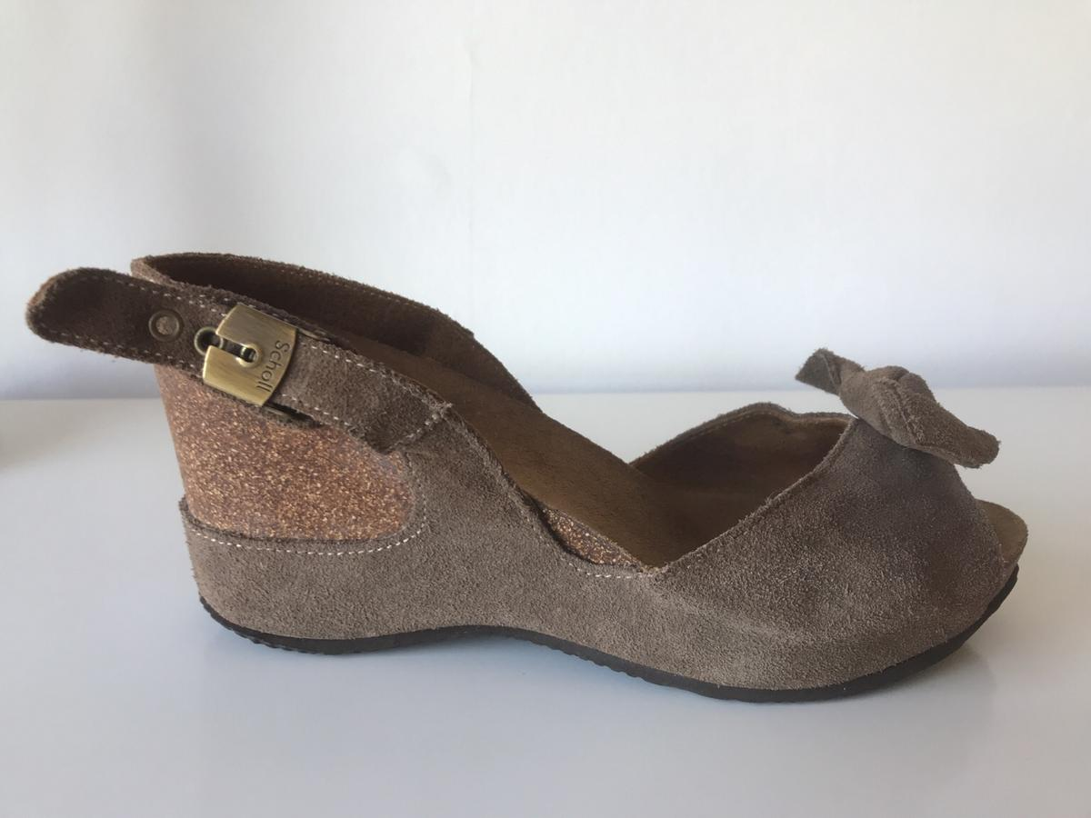 Size 7 Soft brown leather Scholl RRP - over £90 Wedge/court ladies sandals Well looked after From a no smoking, no pets home