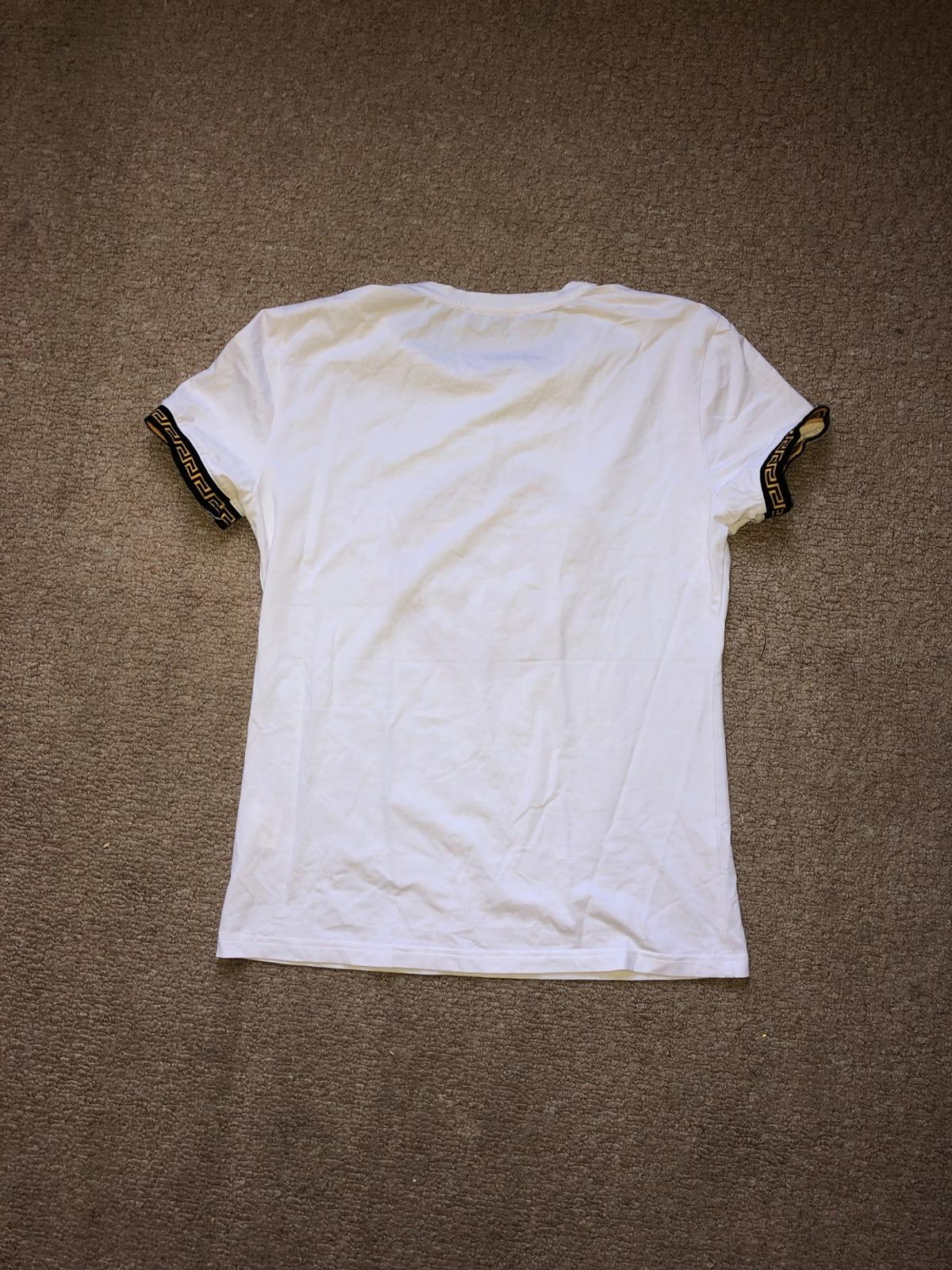 Selling unisex t shirt good condition open to offer no stupid offers