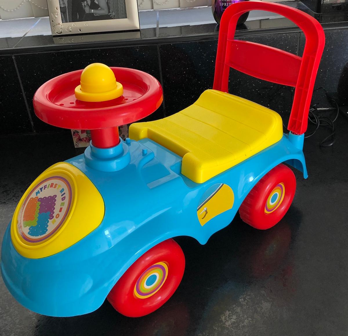 Small ride on car With lift up seat Keep toddler entertained for hours  Suitable for 9-18 months  Lovely toy  Good condition Smoke free home Only used at Grandmas House