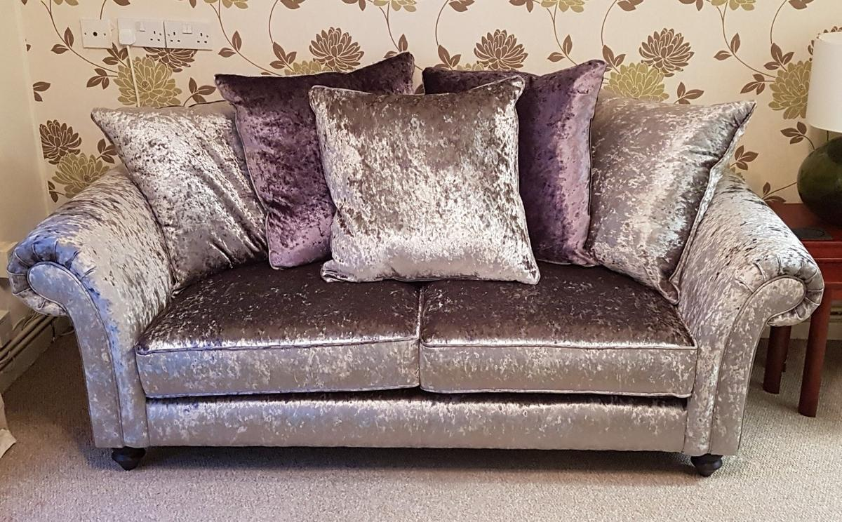 For sale £140.00 o.n.o Collection only, need gone A.S.A.P  Overall measurements: L190cms, D92cms, H75cms  Seating Area: L142cms, D65cms, H40cms