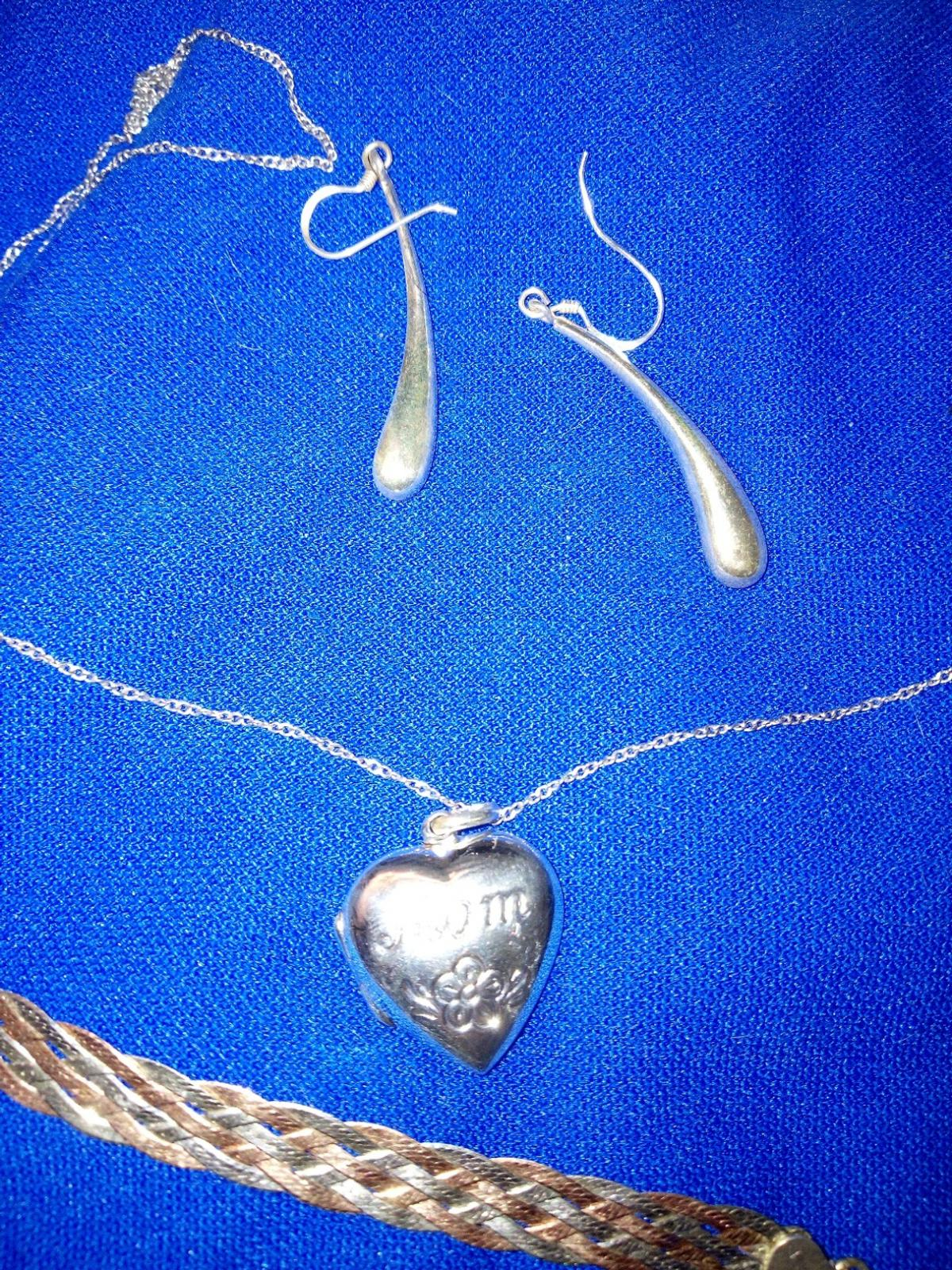 sterling silver bundle a number of rings chains bracelet and pair of earrings £59 for all can sell separate
