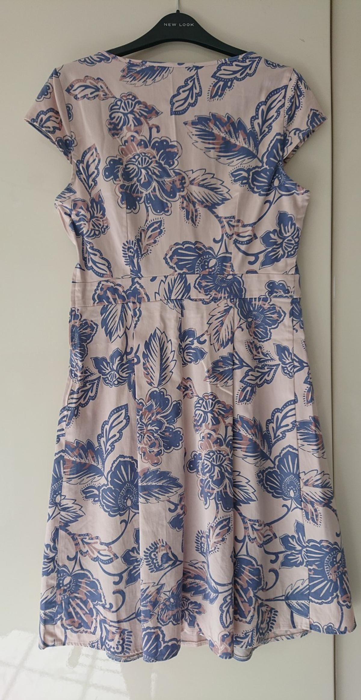 """Lovely dress in excellent condition Shoulder to hem measures approx 38"""" Cream blue & light beige Underarm to underarm 36"""" approx Please take a look at my other items 😊 Thank you for looking Cheryl ☺️"""