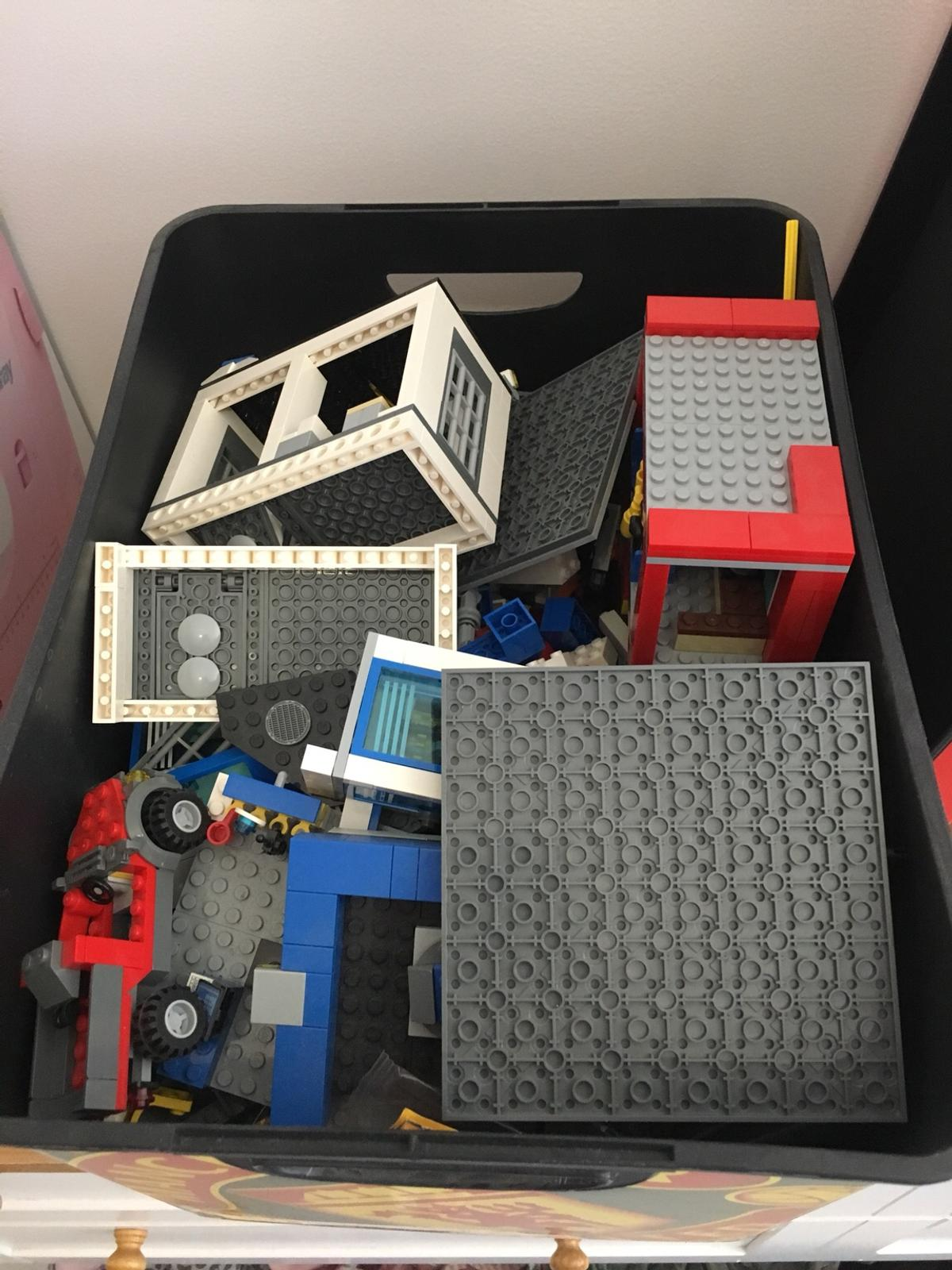 Box of mixed Lego, £20 each, £5 for lego friend set, or £50 Ono for all of it. Collection only please