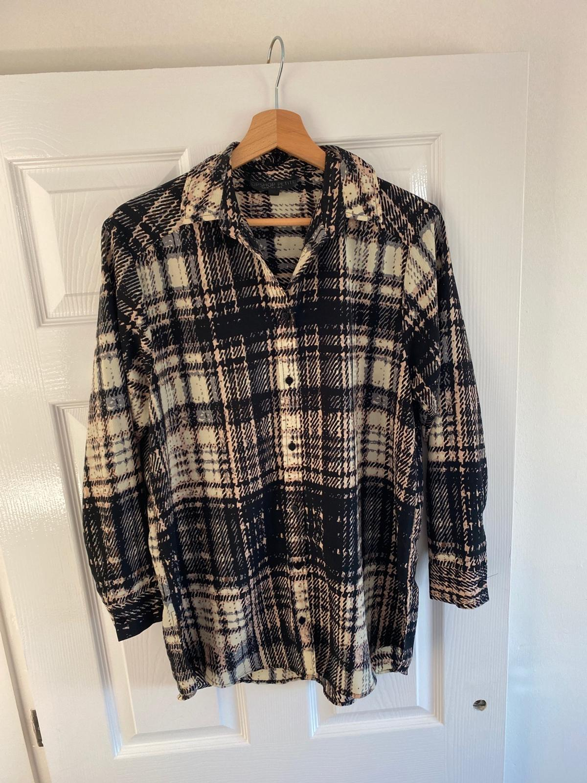 Lovely blouse from top shop. Used but in great condition