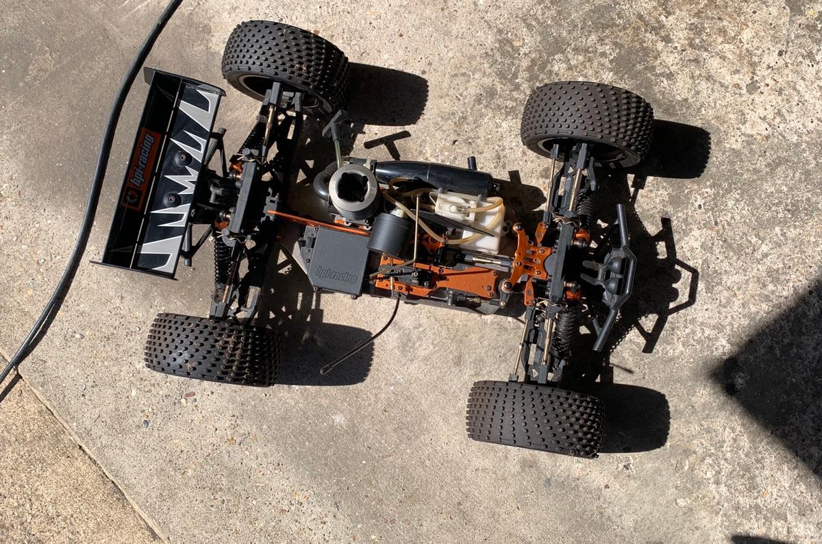 I'm selling my Trophy Truggy 4.6 as I haven't used it for a quite a while and has been stored in the garage.  It comes with the remote, a few spares and the original box  Collection from Southminster, adhering to social distancing