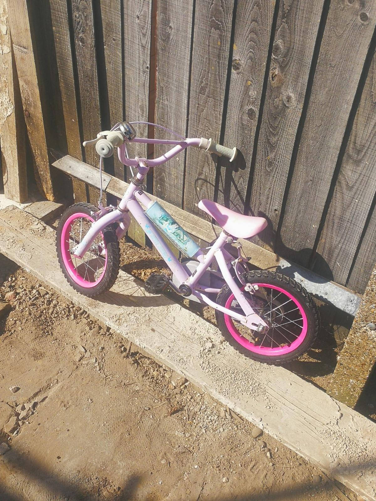 Nice kids bike, ideal for little princess Collection only Bexleyheath