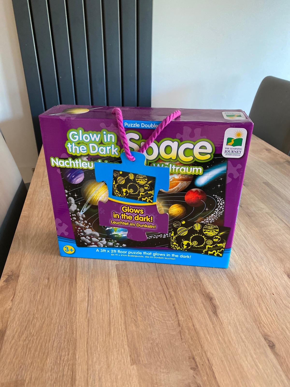 Brand new never opened, bought from Smyths store  Features  A puzzle that glows in the dark! 3ft x 2ft floor puzzle Solar system image 100 Piece Puzzle  Smoke free pet free household Collection only from B74 Sutton Coldfield