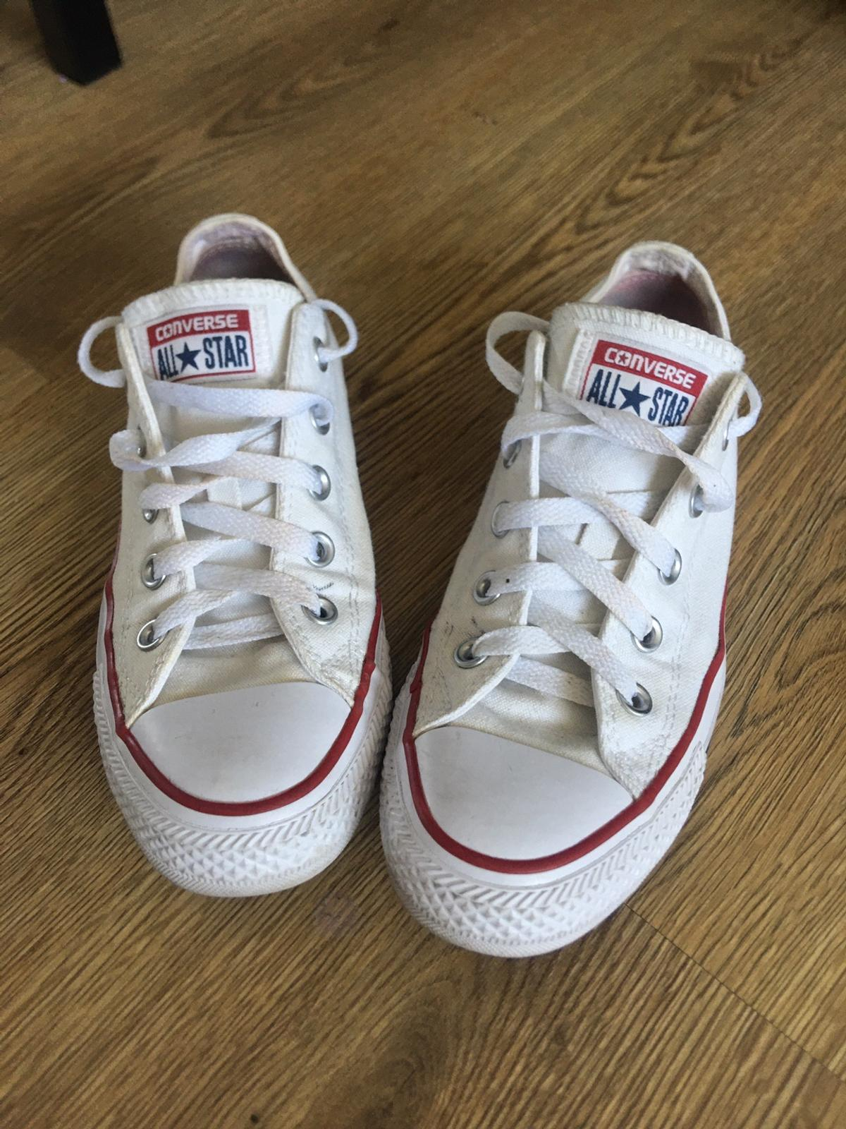 Converse trainers in very good condition, size 4