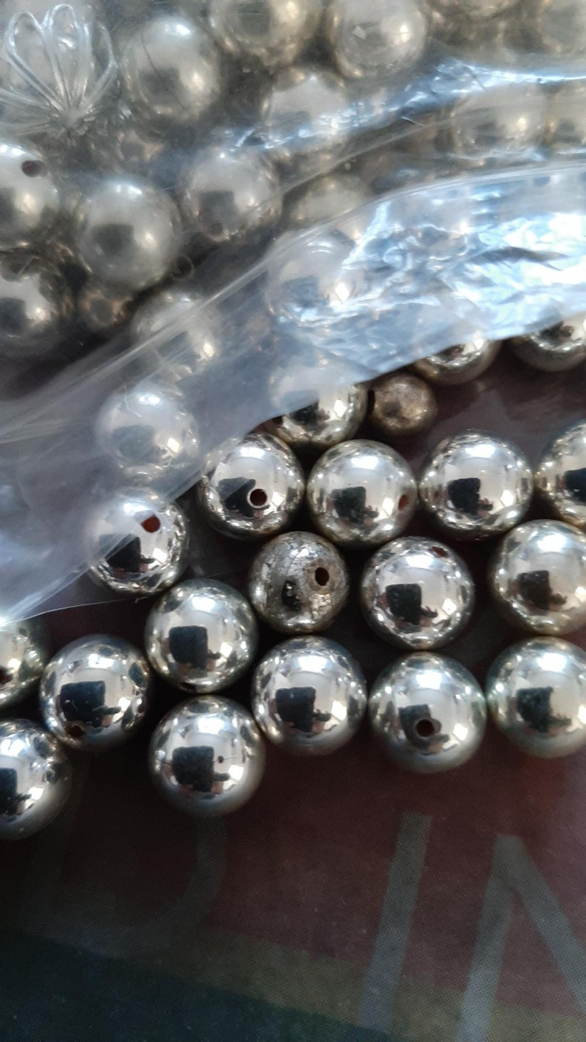 Sliver big and small size beds 165Beads £3.00