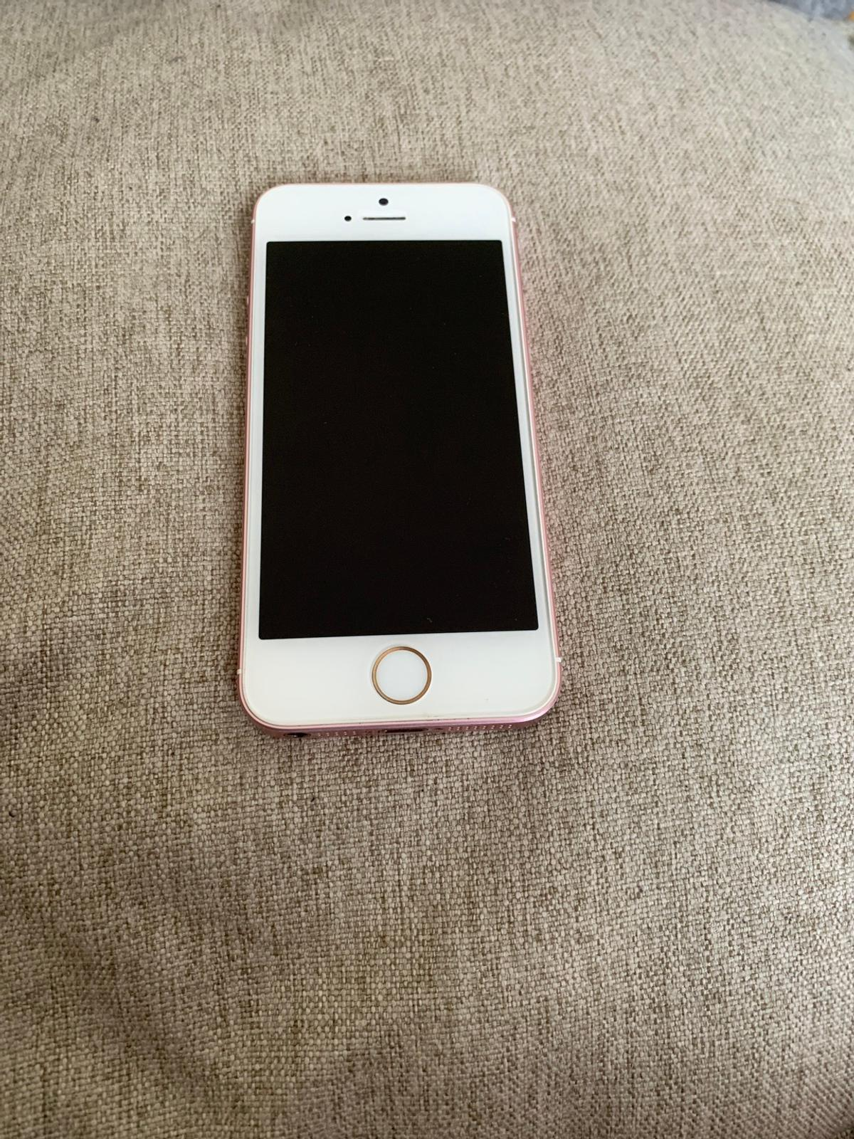 iPhone SE 64GB Rose Gold with box Used in good condition. A few chips to actual phone but not on screen. Collection only - S8 Cash on collection 07368491447
