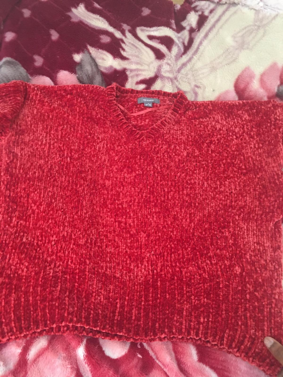 From primark, never worn but tag is off, in very good condition, size small- 10/12, velvet feel very cute, v-neck jumper, super soft