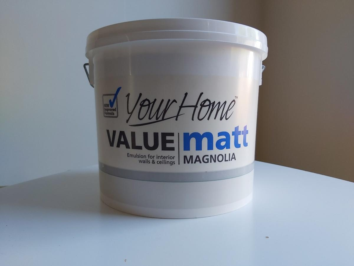 Brand New Unopened  Matt Magnolia Emulsion for Interior walls and Ceilings Paint 5Litre Drying time: 2-4hours  AVAILABLE 2 Buckets in total  Collection only! KT9