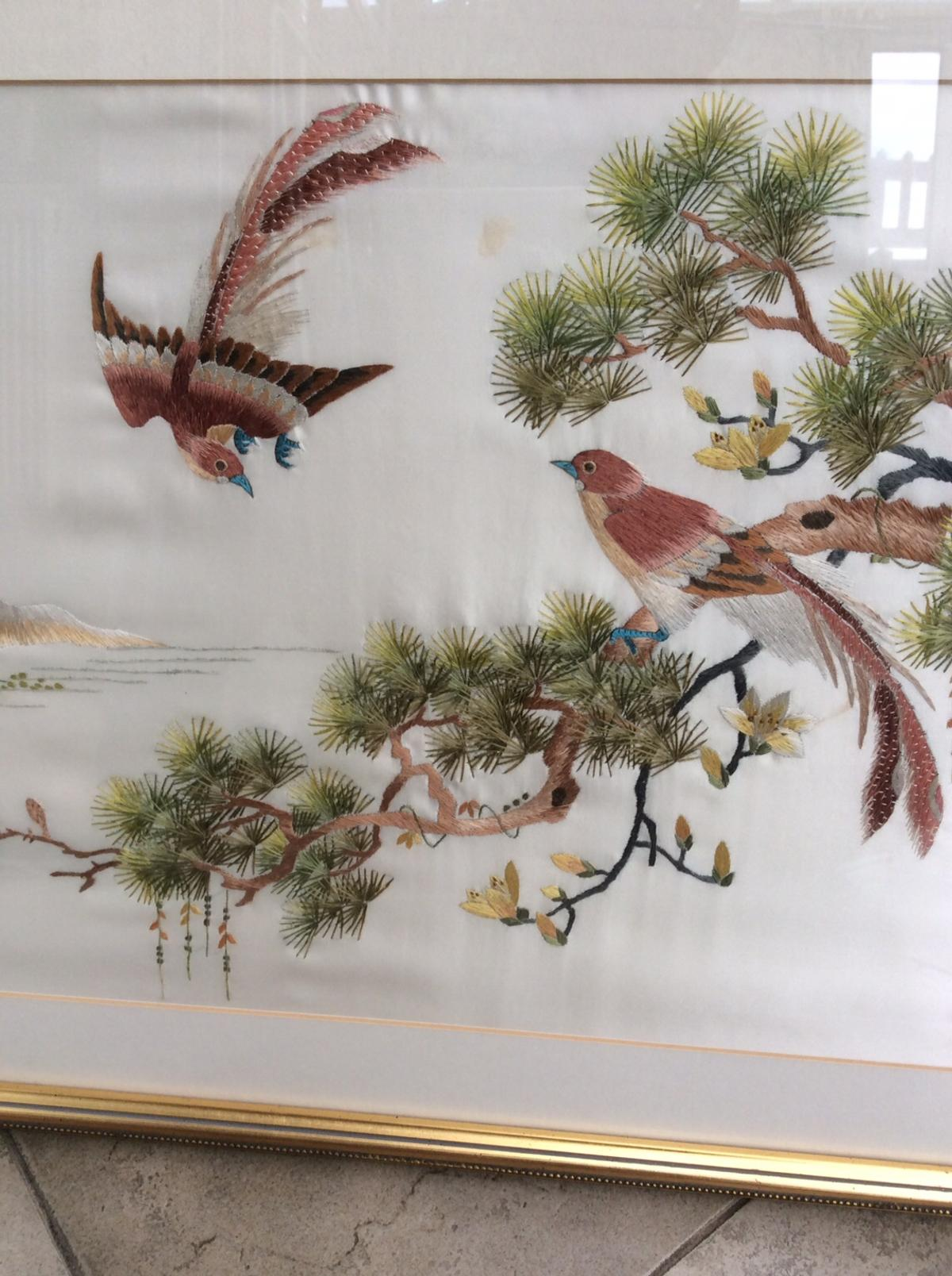 Chinese embroidery panel. In excellent condition. 70x48cm.