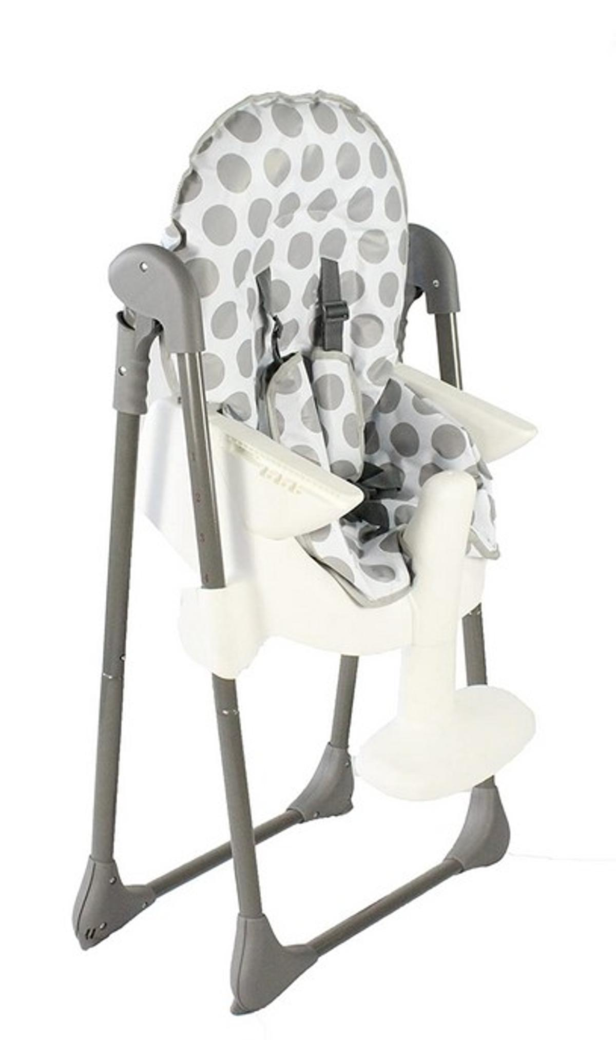Baby High Chair for sale.  Red Kite brand, Feed Me Snak model.  Suitable for children from 6 months up to 15kg in weight.  Multi position height and adjustable seat.  Removable insert tray.  Padded protectors on harness.  Compact fold for simple storage.  Size H114, W56, D87cm.  Used but in great condition.  Thoroughly cleaned.  S/f home with two cats.  Social distancing observed. Collection only from doorstep, Burgess Hill.  Cash payment in envelope placed through letterbox.  On other sites.