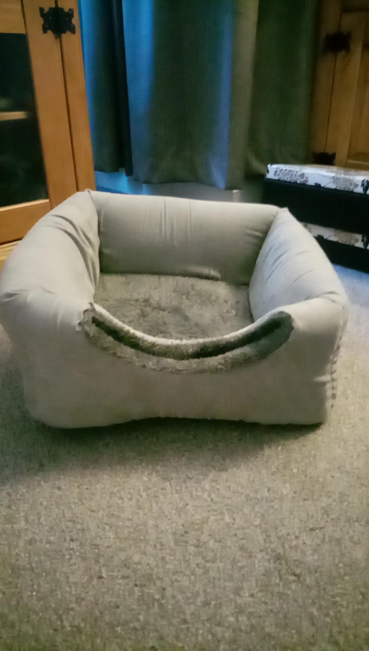 As seen folds down into a bed just been In the washer and dryer great condition no PayPal and can deliver locally for free in Hartlepool