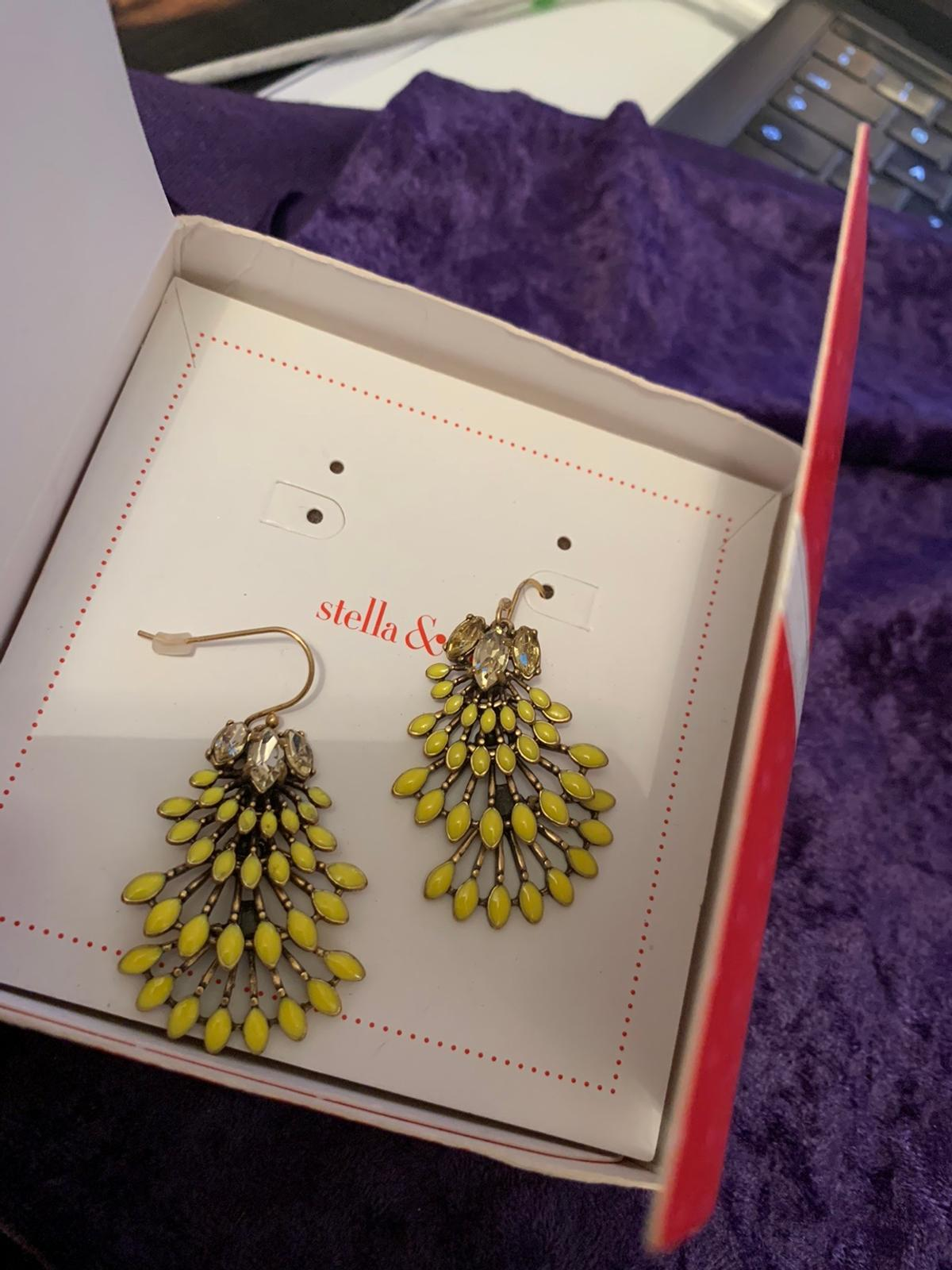 """Brand new in box Chandeliers yellow Norah Paid £40 Forgot I had them Stunning earrings 2"""" drop See my other items Stored in jewellery box Ideal gift in box Stella and dot"""
