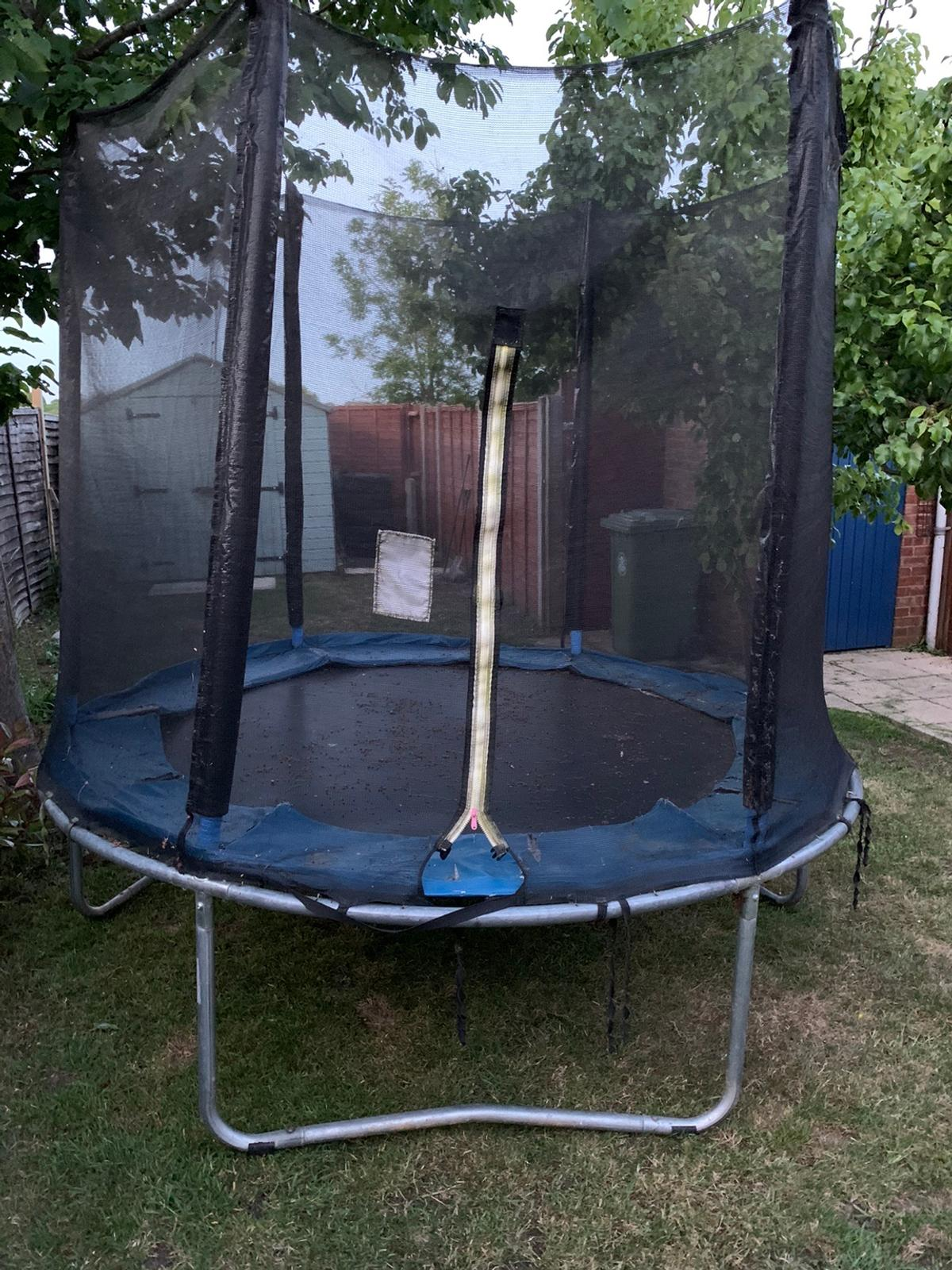 Good used condition, could do with a new pad round the edge. The net has no rips and the zip works fine, may be able to deliver locally.