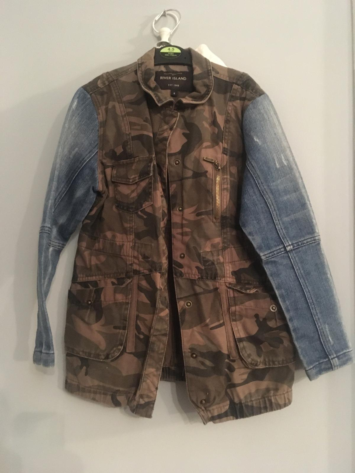 Lovely girls jacket aged 8 years by River Island only tried on, denim sleeves check out other items huge sale