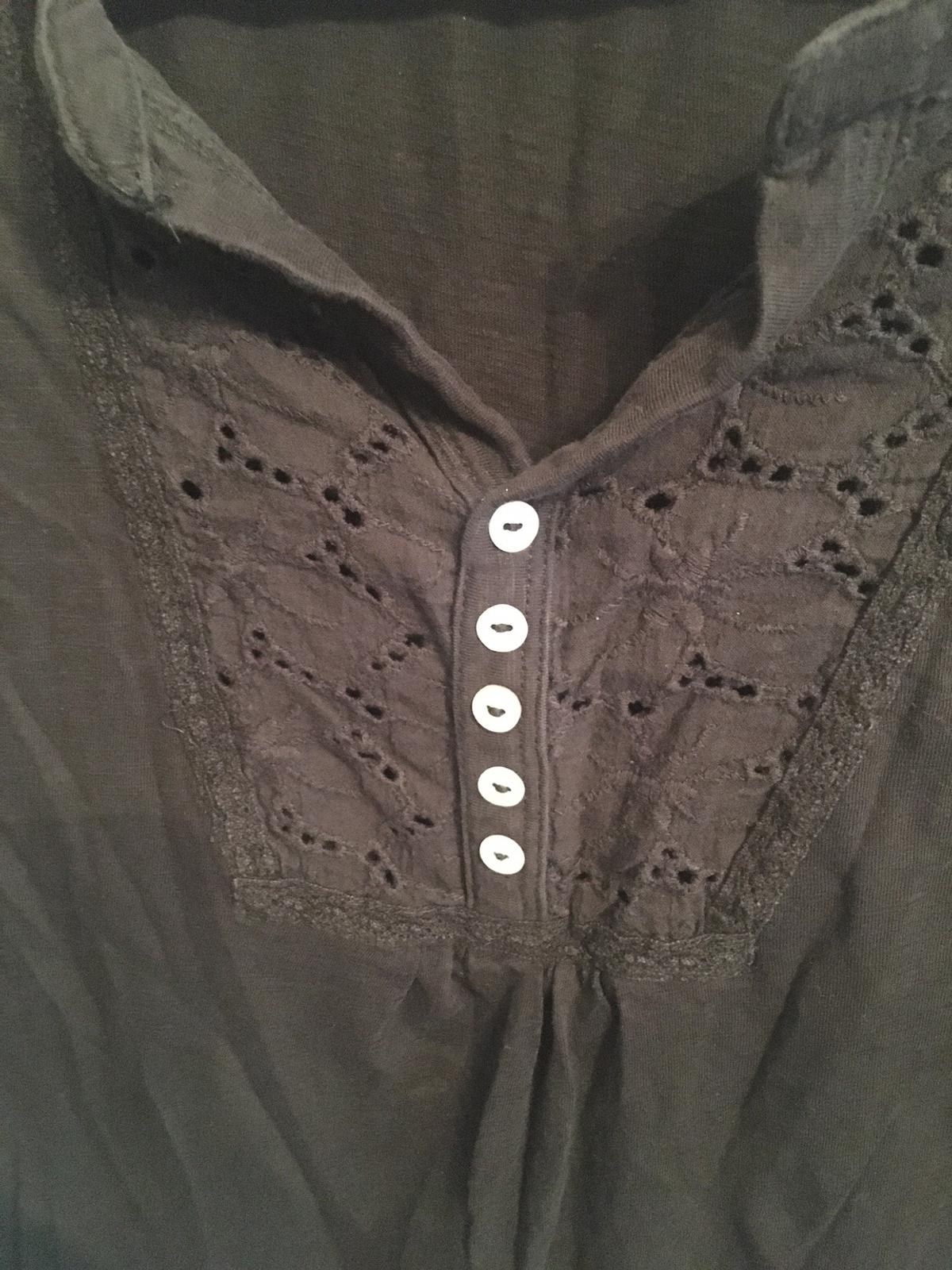 Ladies top Black size 18 Good condition Collection only