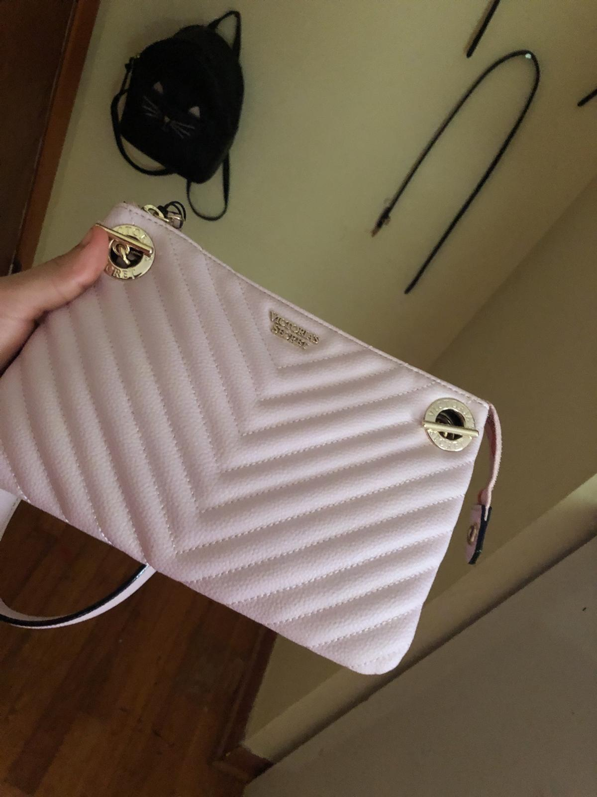 A purse from the brand victora serceret