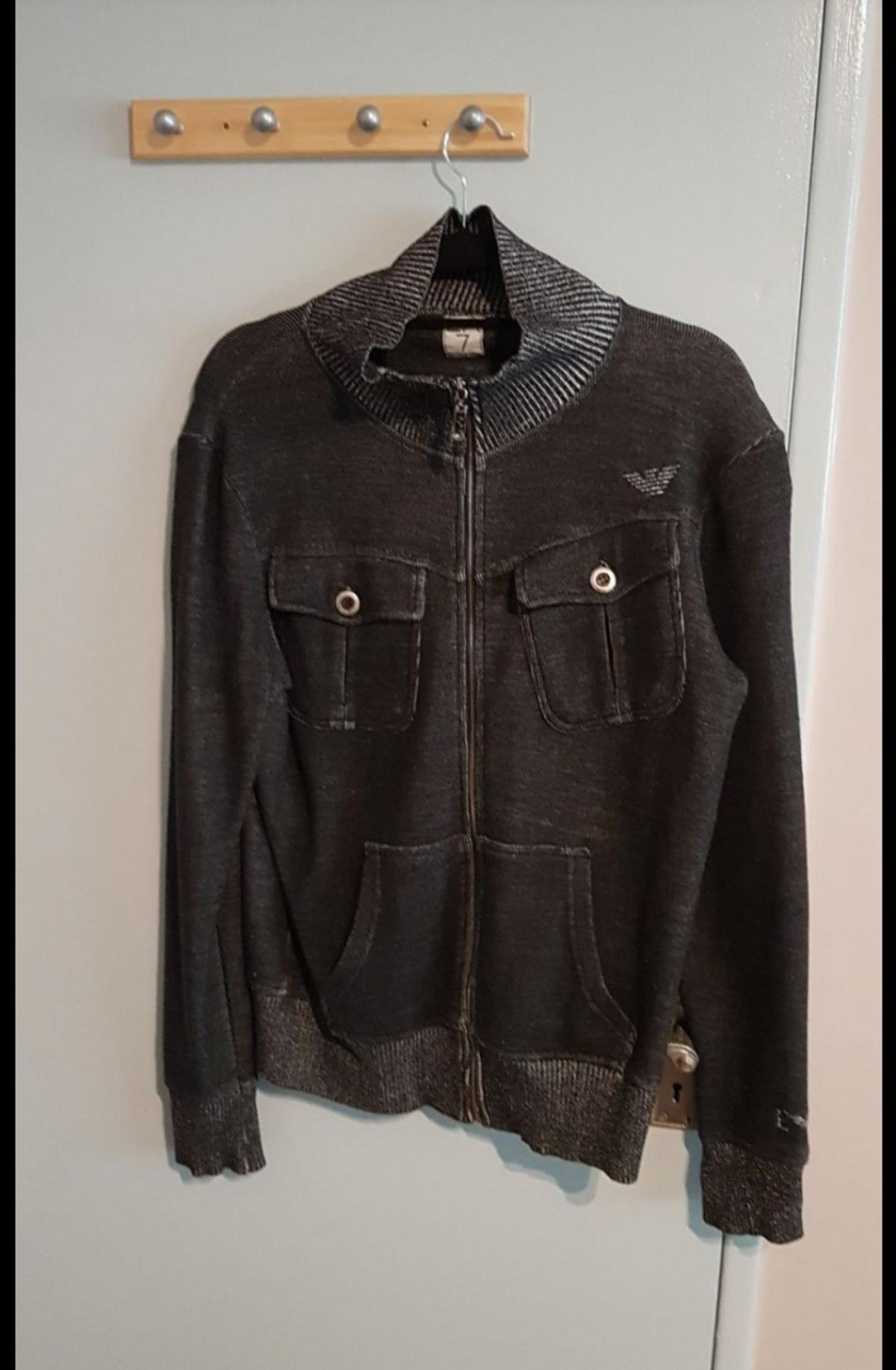 really nice Armani jacket for men looks beautiful and in really good condition. size m