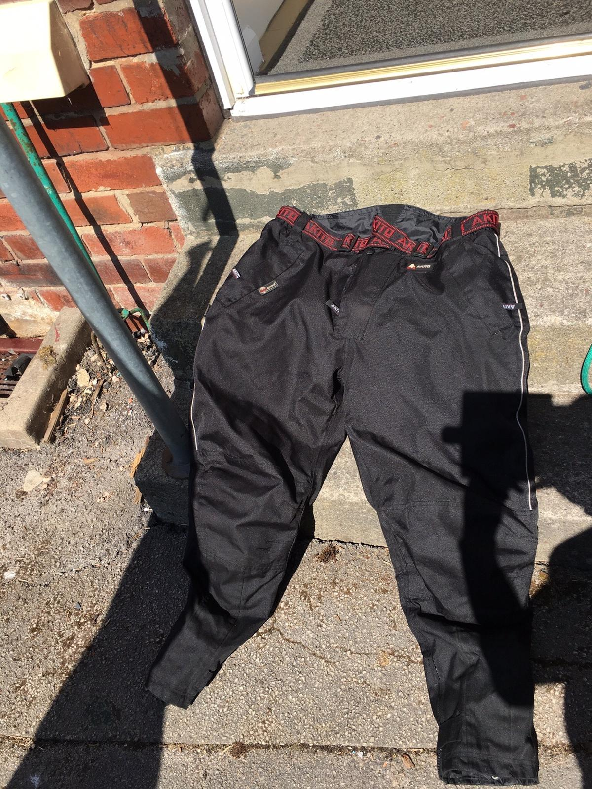 Showerproof motorbike jacket and trousers with extra lining  Can deliver in Leeds for a small fee to cover fuel