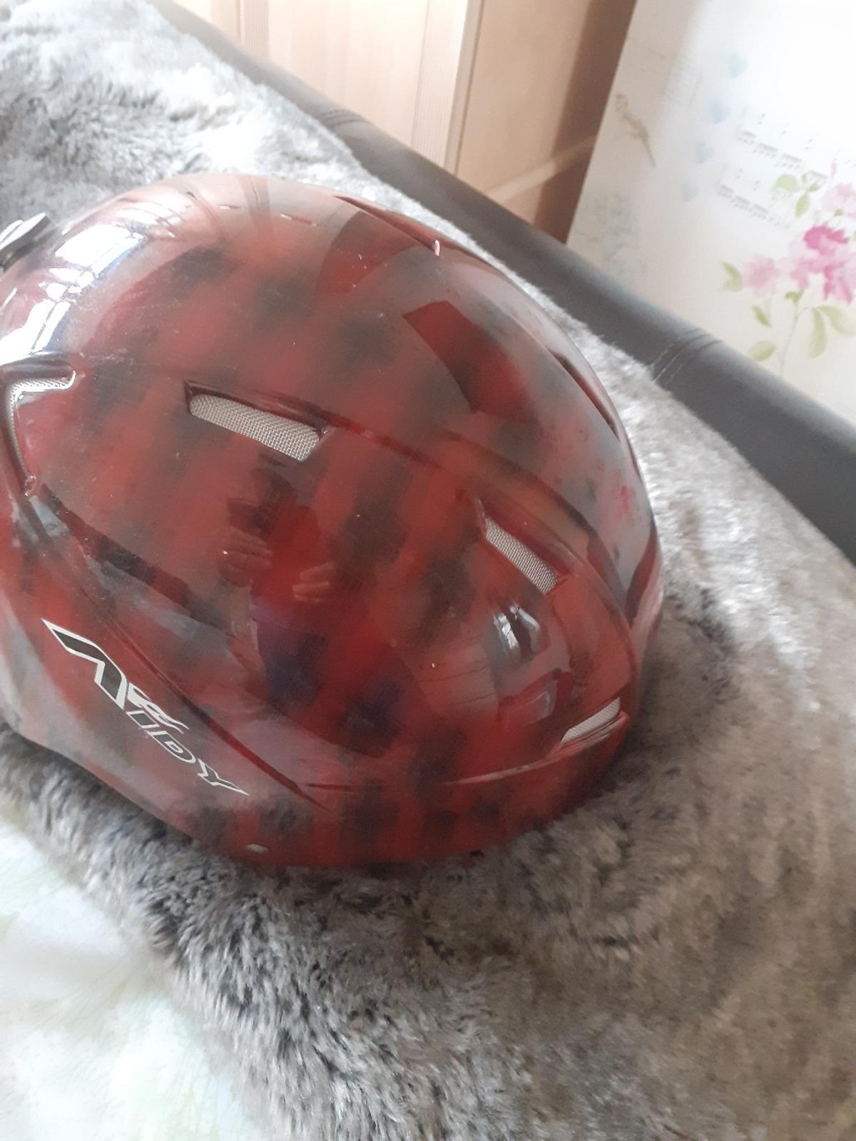 skeeing/skateboard helmet size large new never used could be used for bikes