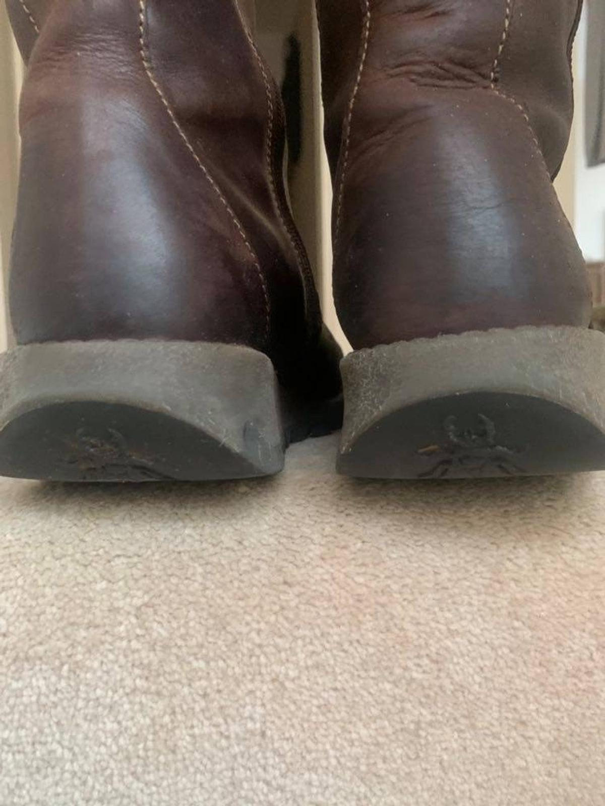 WB, Nottingham Fab condition as worn a handful of times They're too long, I'm used to calf length Fly Brown All hardware stamped Size 40 Really comfortable and great quality Great design and condition RRP £129...selling £59