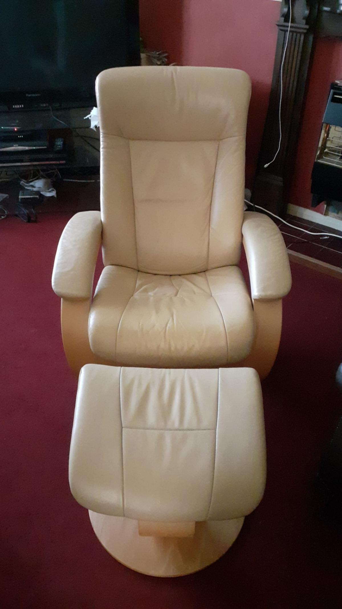 Picture of: Reclining Arm Chair With Footstool In For 120 00 For Sale Shpock