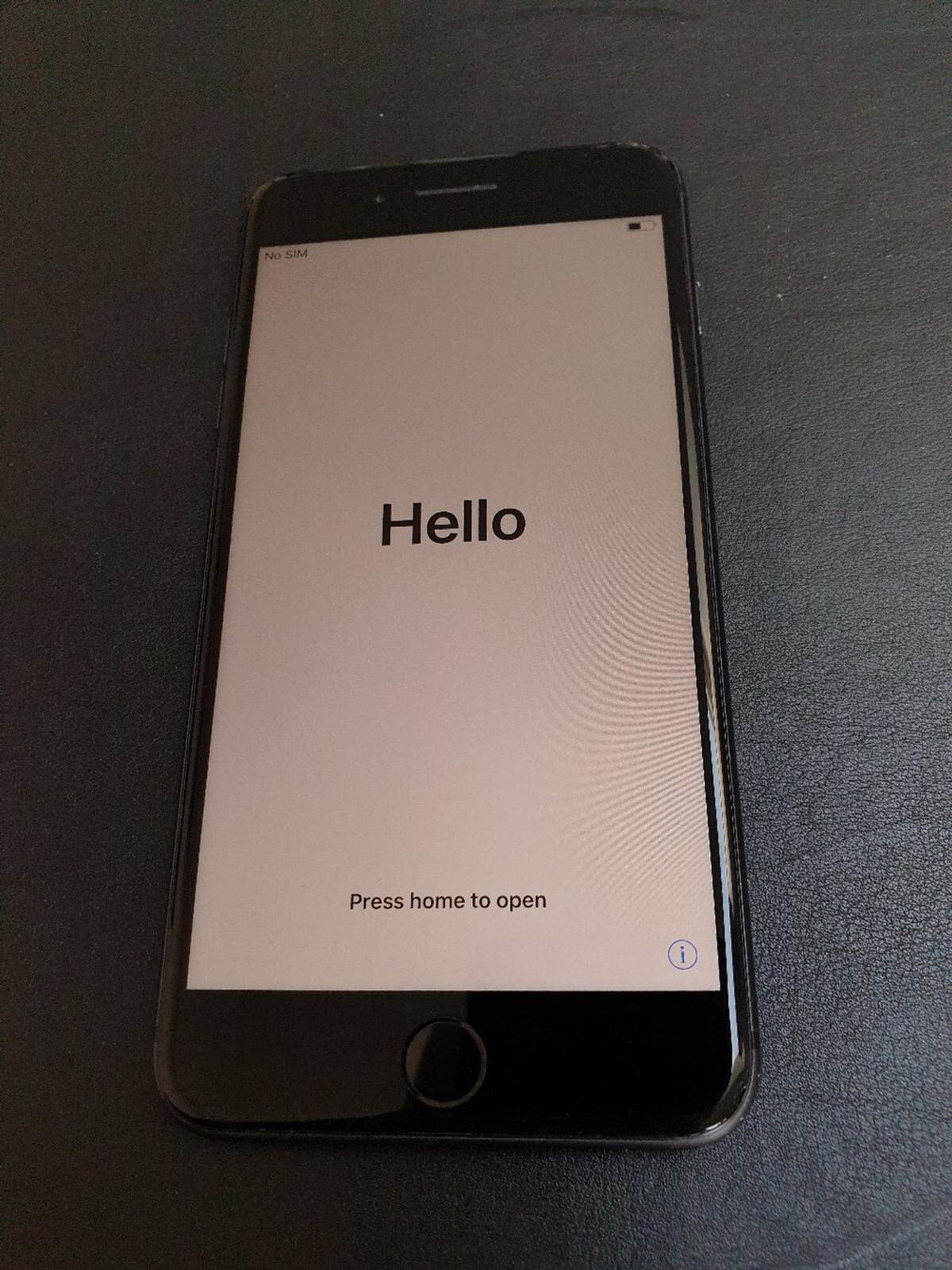 iphone 8 unlocked 32gb in se7 greenwich for 200 00 for sale shpock shpock
