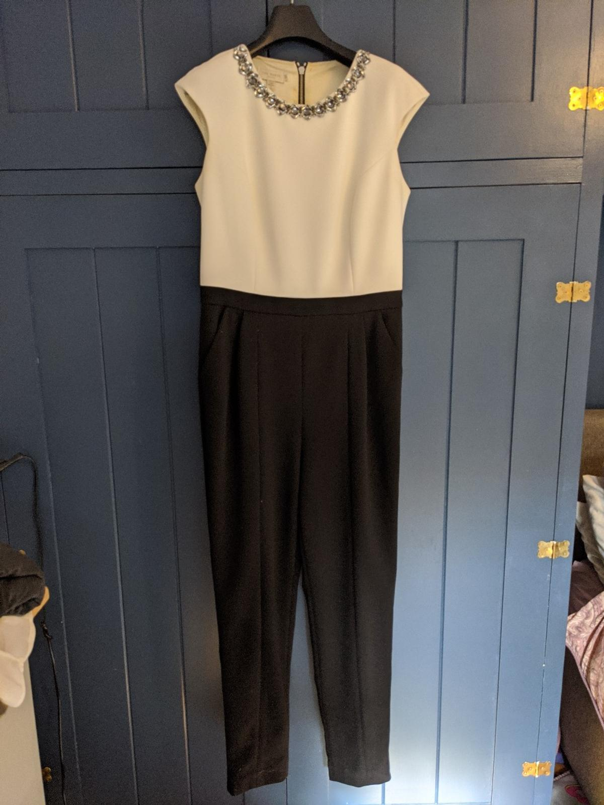 område Träning porlande  Womens clothes in GU31 Hampshire for £40.00 for sale | Shpock