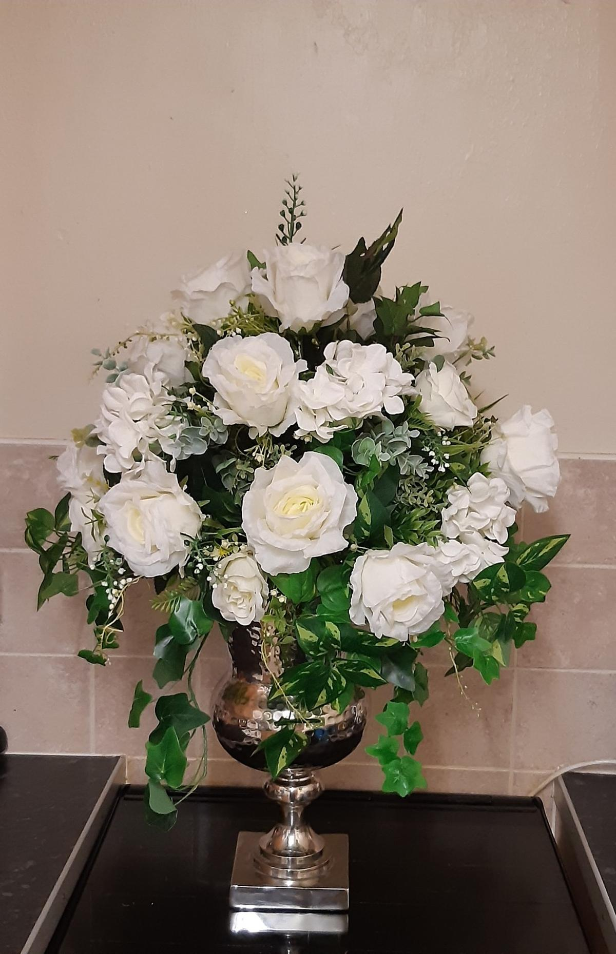 Very Large Artificial Flower Arrangement In Dl14 Auckland For 145 00 For Sale Shpock