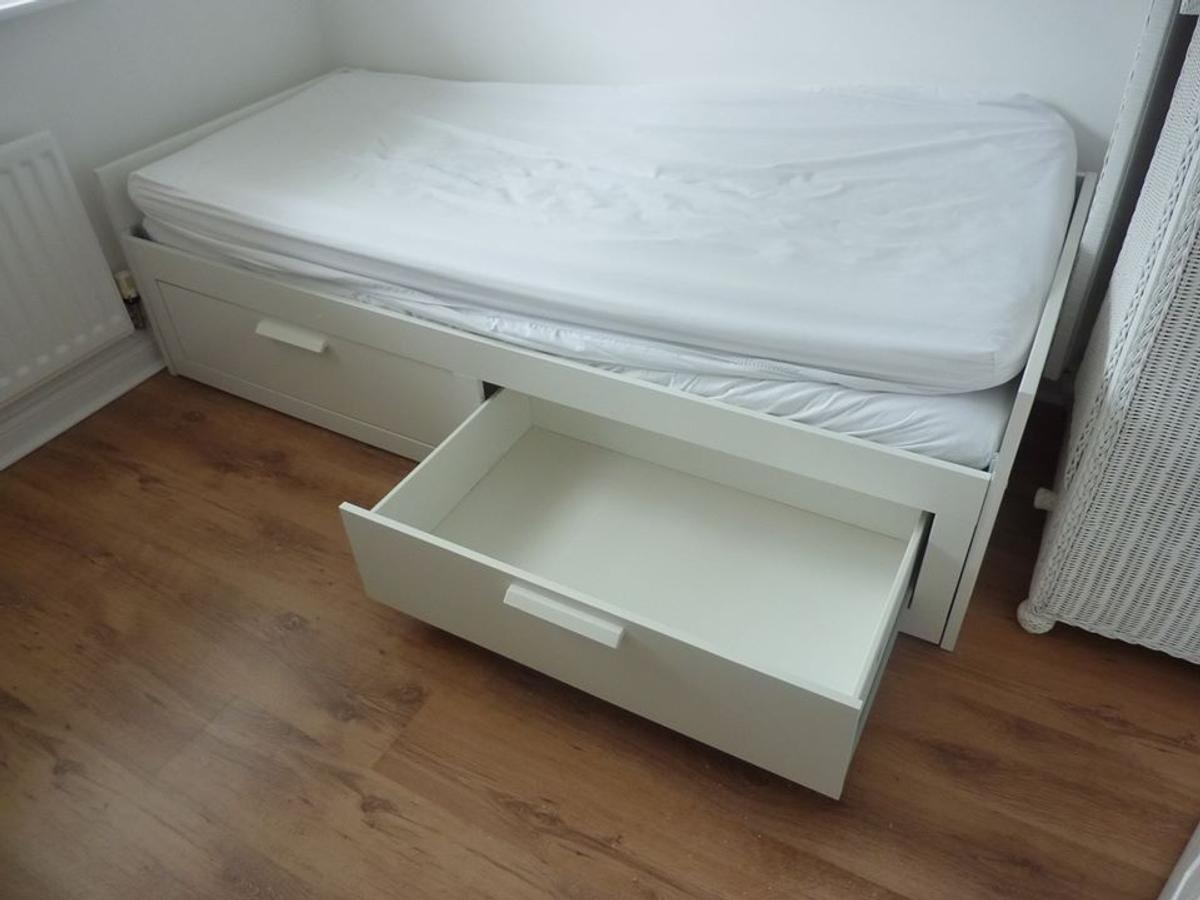 Ikea Brimnes Day Bed In Tn23 Ashford For 190 00 For Sale Shpock