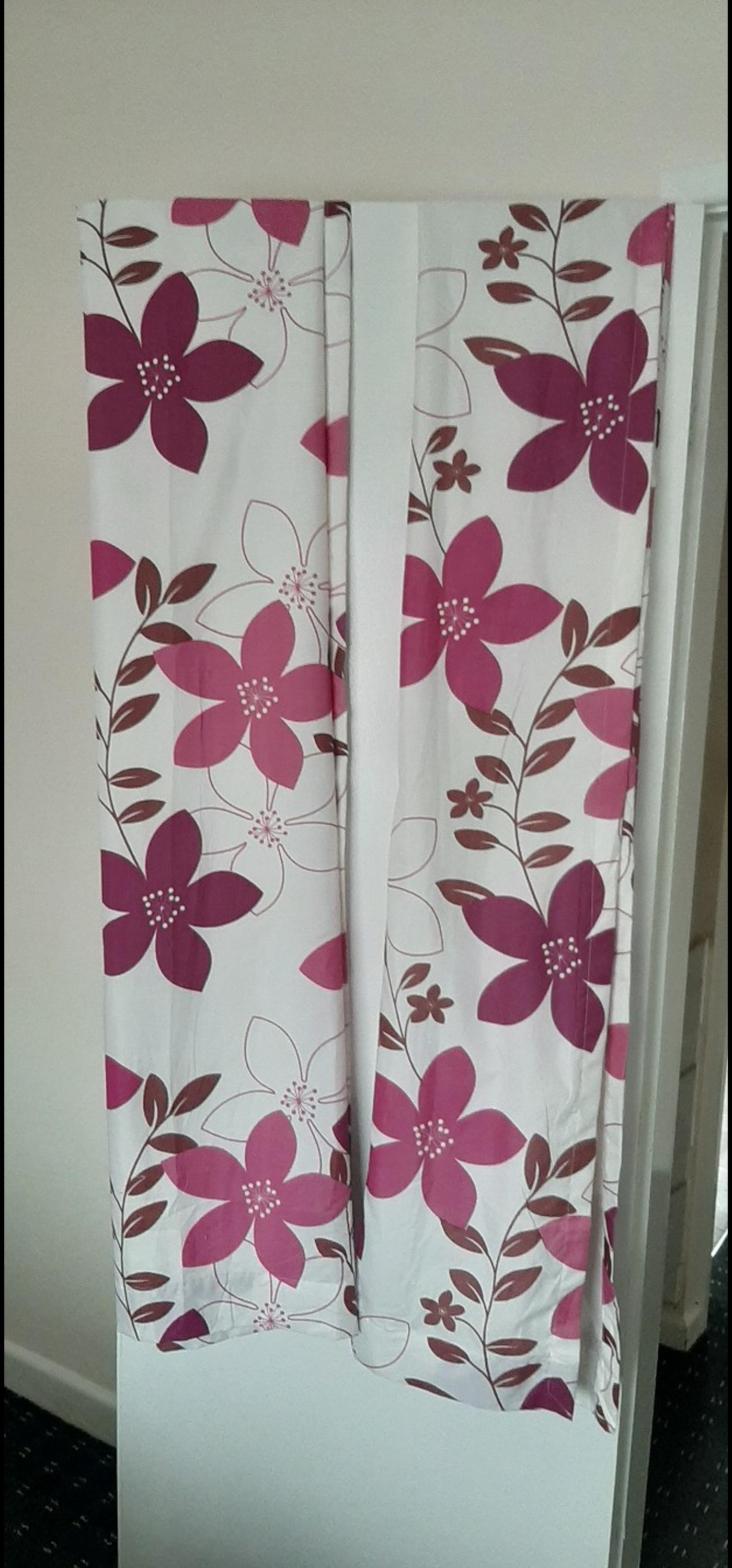 Girls Curtains 45x72 Pencil Pleat In Bl3 Bolton For 8 00 For Sale Shpock