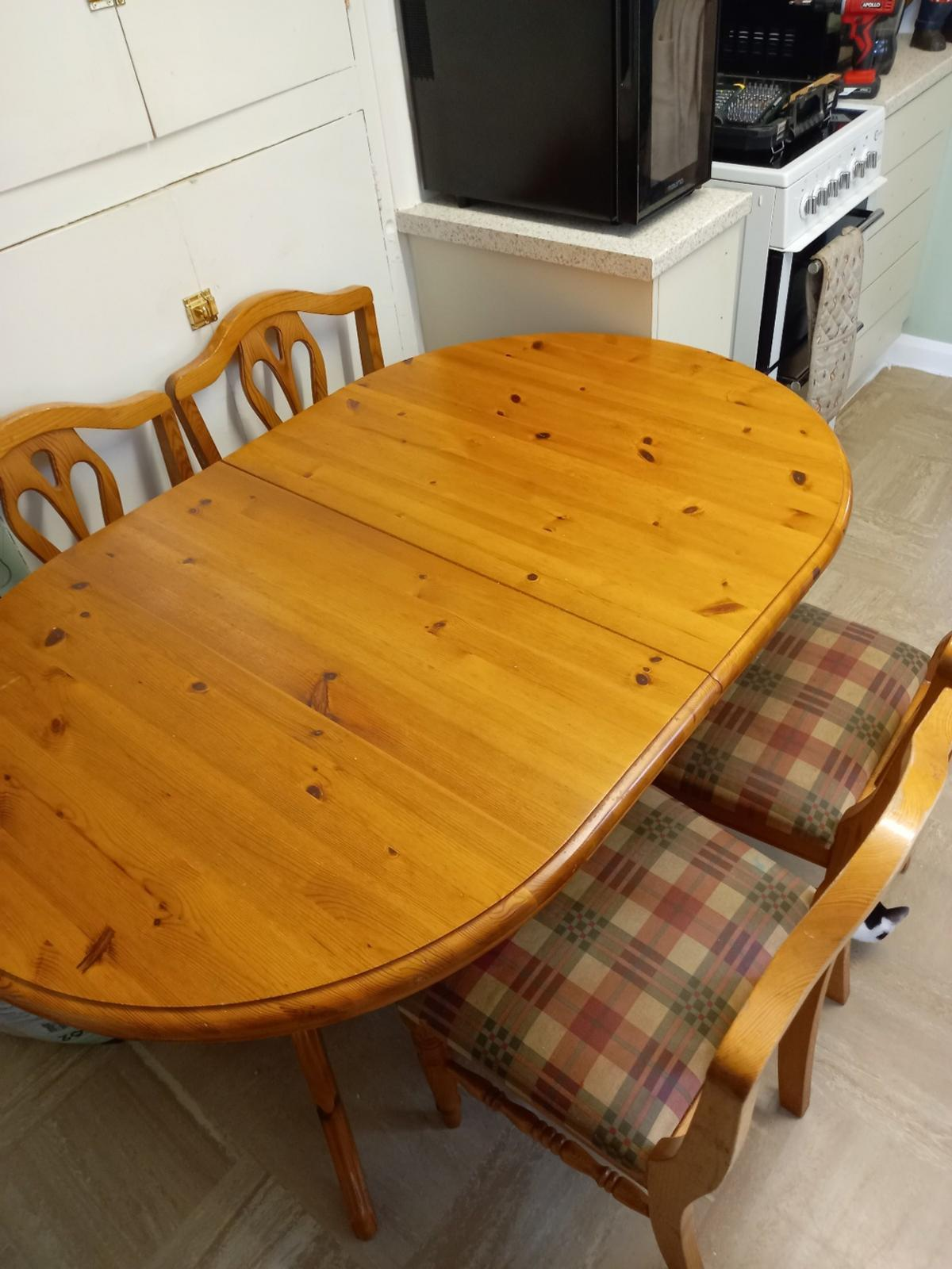 Solid pine extendable table and 9 chairs in Hinckley and Bosworth ...
